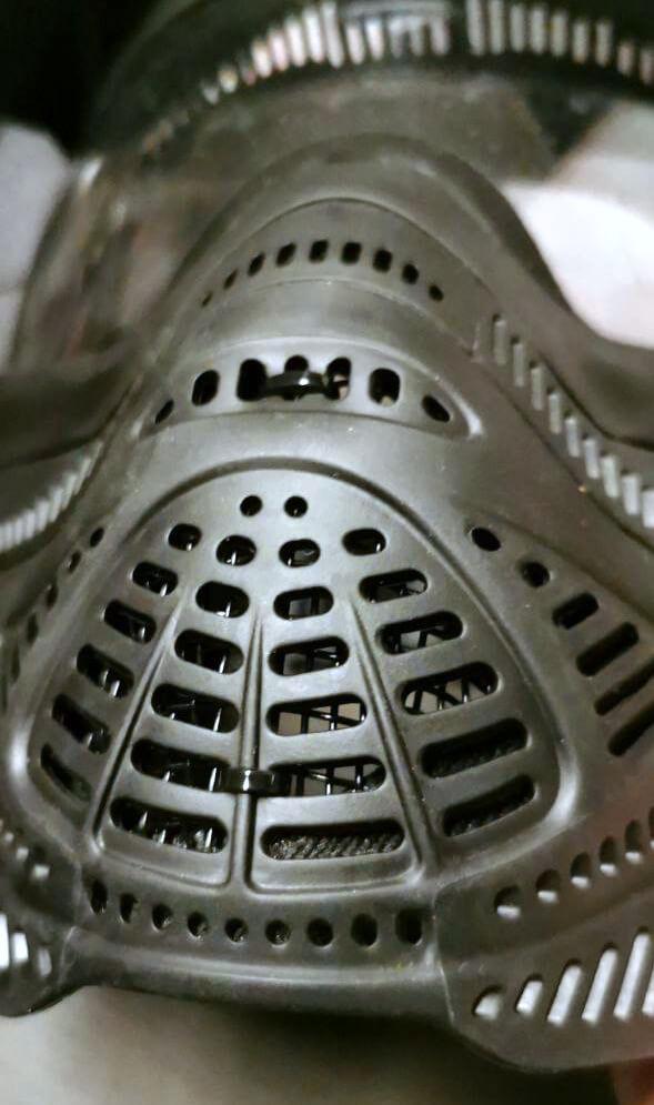 Gittermaske in DYE Proto FS für Airsoft Softair mit Kabelbinder befestigt